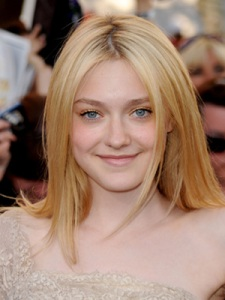 "The ""Natural Look"" for Prom on Dakota Fanning"