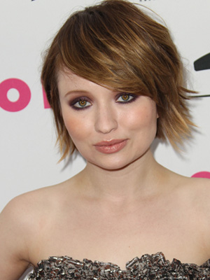 Emily Browning's Bronzed Smoky Eyes