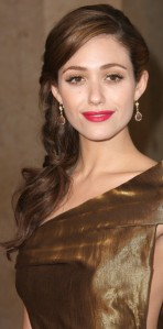 Emmy Rossum's golden makeup and bold fuchsia lips