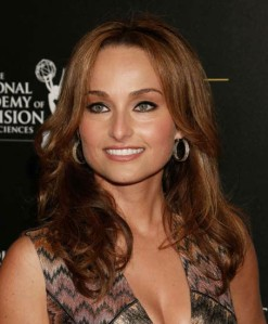 "Giada De Laurentiis is a ""bronzed goddess"" at the Daytime Emmys"