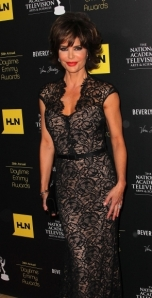 """Days of Our Lives"" Lisa Rinna makes the ""win"" column for her gown..."